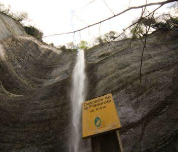 Une cascade vraiment époustouflante à deux pas de Grenoble !
